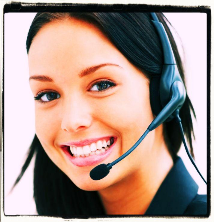 Call Center Girl in Italy